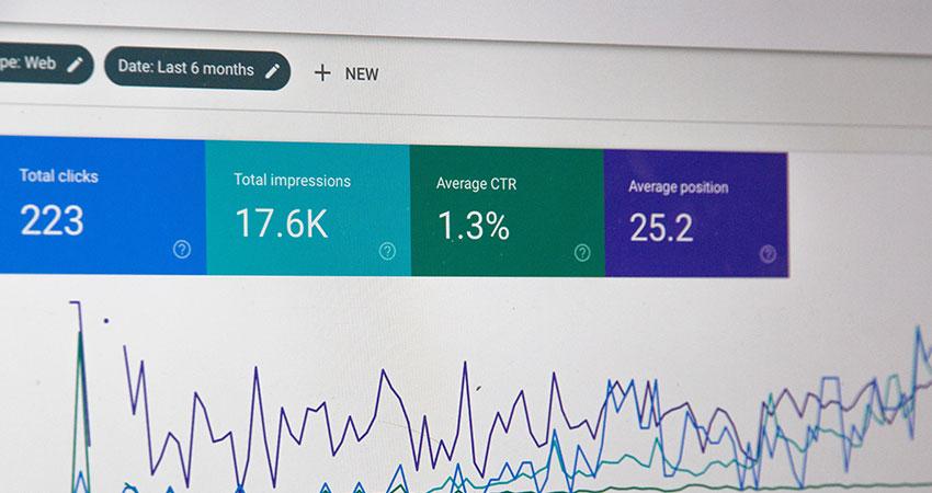 SEO image Google Analytics feature